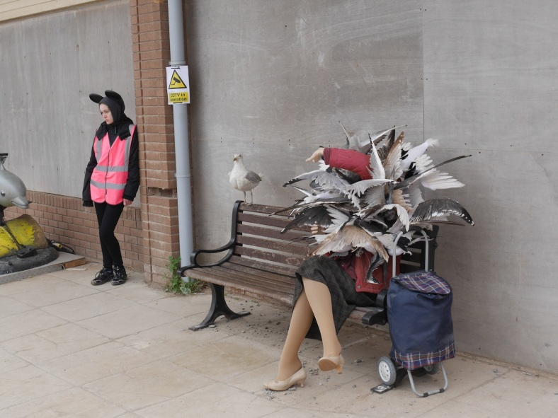banksy seagulls sculpture at dismaland